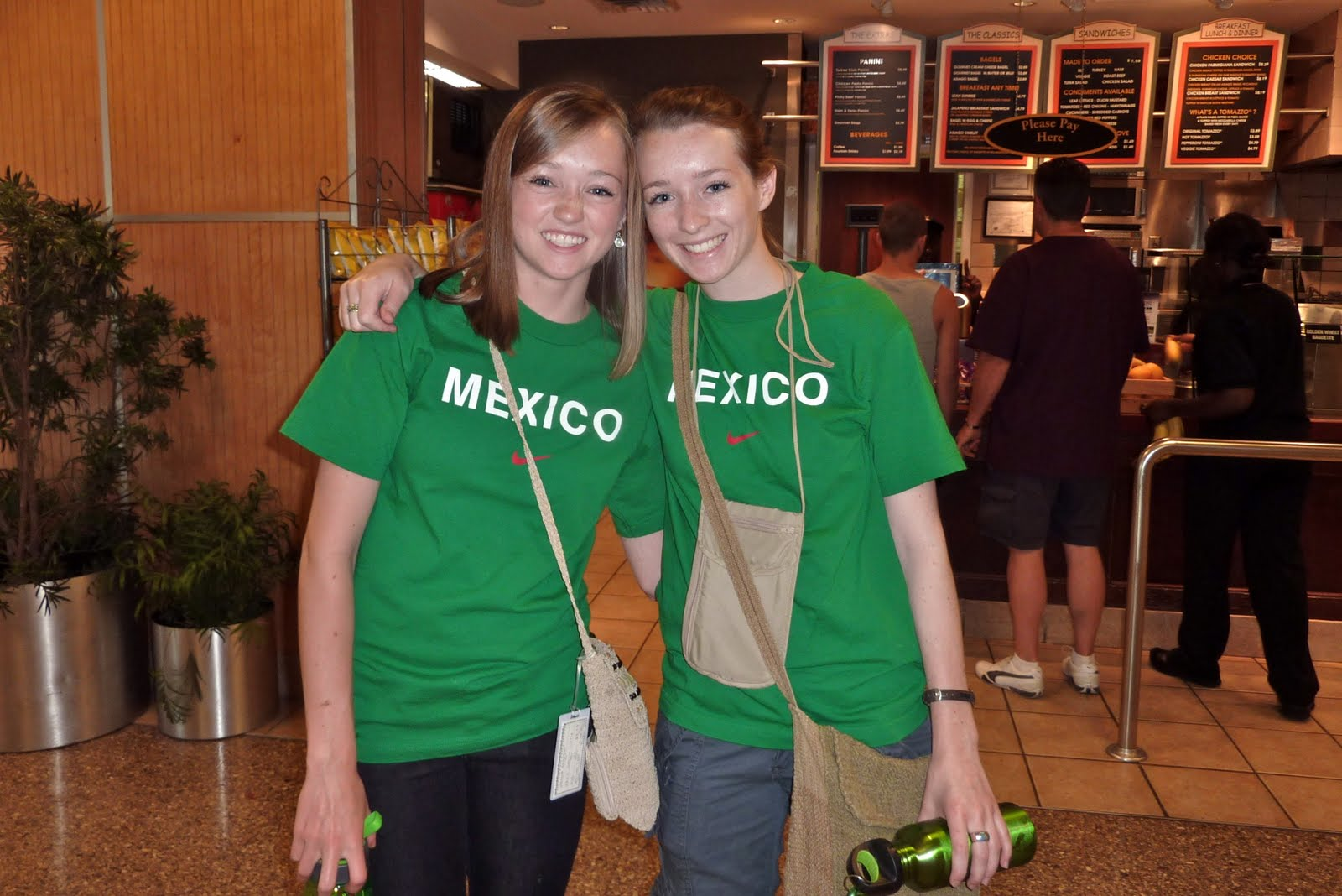 enessa and Tiffani (our alumni leader) They totally look like twins, but they're just sisters. Tiffani went to Peru on her Youthlinc trip. She'a fluent Spanish speaker and we all love her!